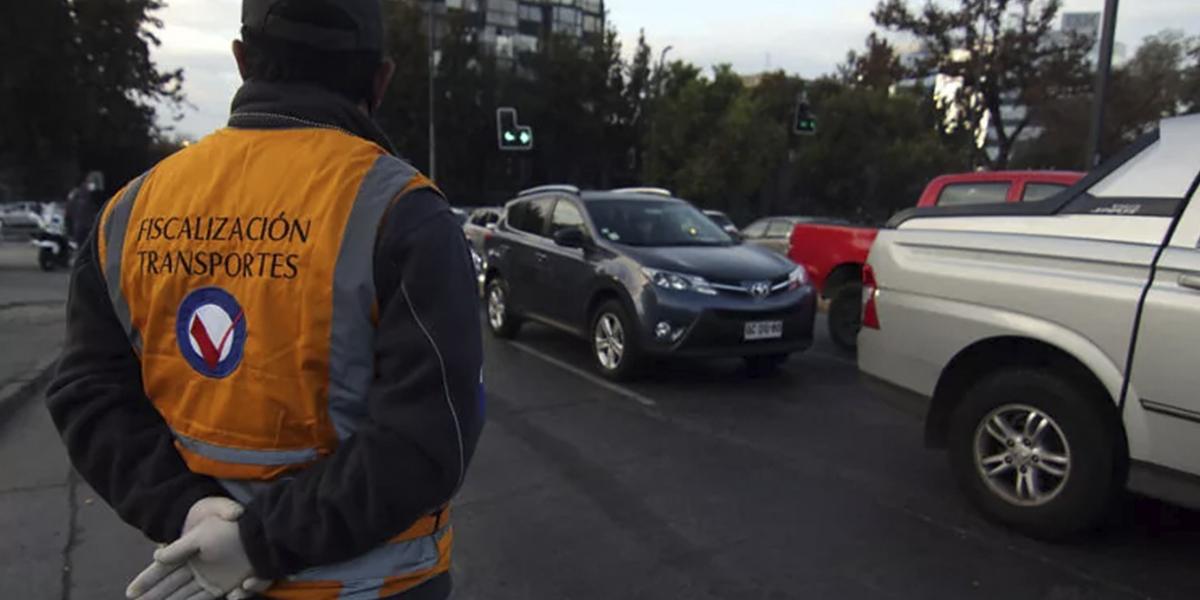 Desde el próximo lunes vuelve la restricción vehicular en Santiago